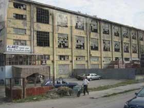 Albanien: stillgelegte Fabrik