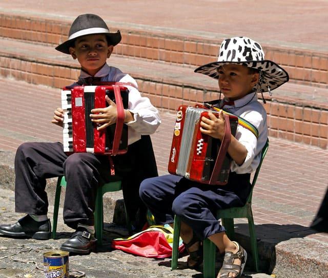 Musikanten mit Akkordeon in Buenos Aires
