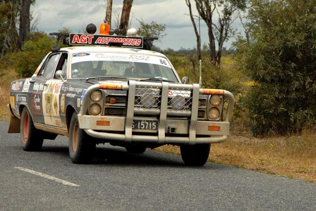 V8 mit Wildfänger im Outback