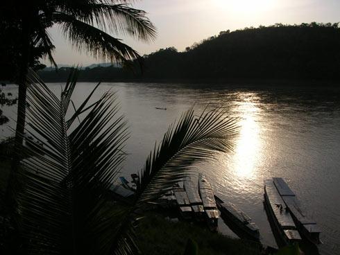 Fluss Panorama in Laos, Sonnenuntergang