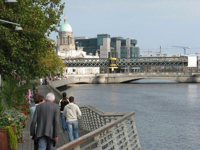 Dublin, Finanzzentrum und Altes Zollgebäude