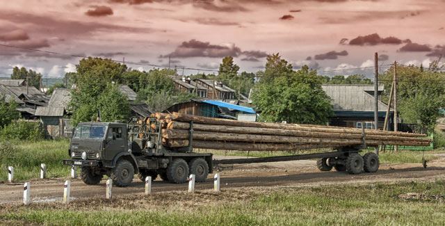 Holztransport in Sibirien