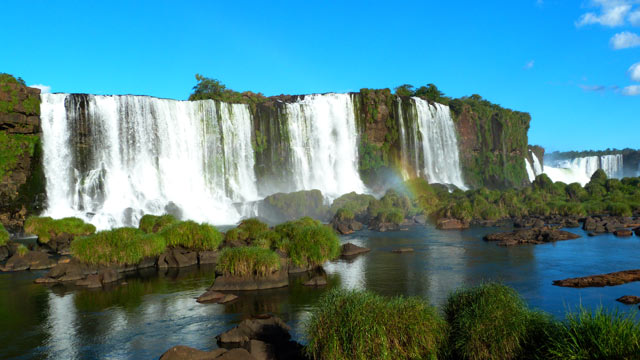 Die Iguazu Wasserfälle zwischen Argentinien, Paraguay und Brasilien